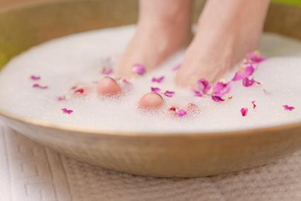bain de pied pour enlever la corne des pieds oleassence