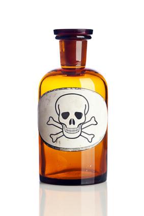 Parabens, Triclosan et Phenoxyethanol dans vos cosmétiques ! Jetez les