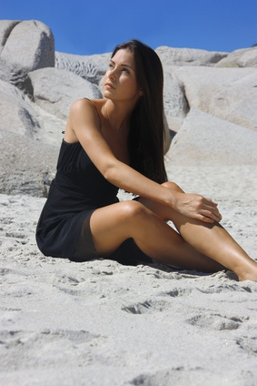 Jeune Femme Bronzant