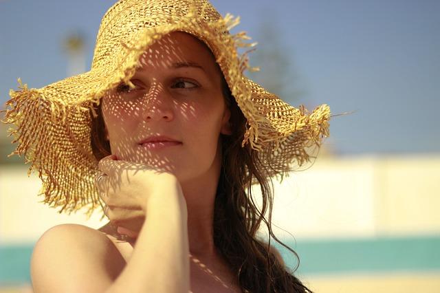 été_soleil_chapeau