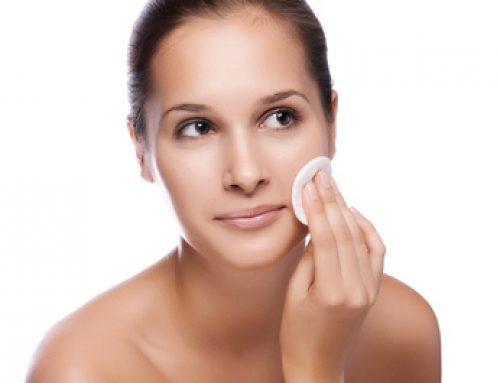 La technique du double nettoyage pour bien démaquiller et nettoyer son visage