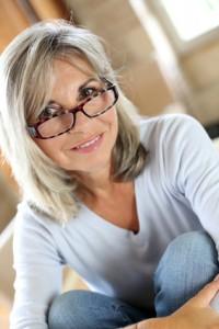 visage d 39 une femme mature la peau quilibr e oleassence en luberon oleassence en luberon. Black Bedroom Furniture Sets. Home Design Ideas