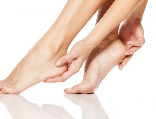 3 étapes pour enlever la corne des pieds de façon naturelle