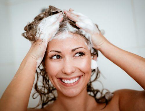 Pourquoi doit-on espacer les shampoings ? (1)