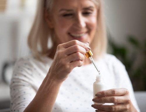Comment appliquer un sérum huileux sur le visage ?