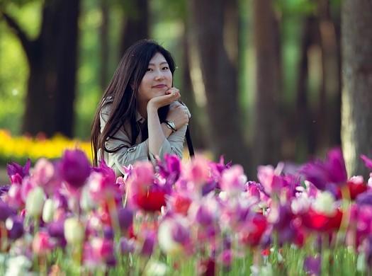 photo femme japonaise fleurs
