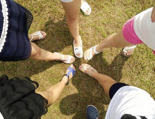Pieds Secs et Fendillés : les 5 Moyens pour avoir de beaux pieds cet été
